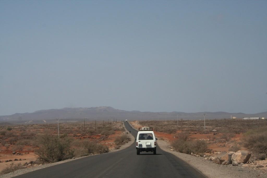 Loyada - Djibouti road